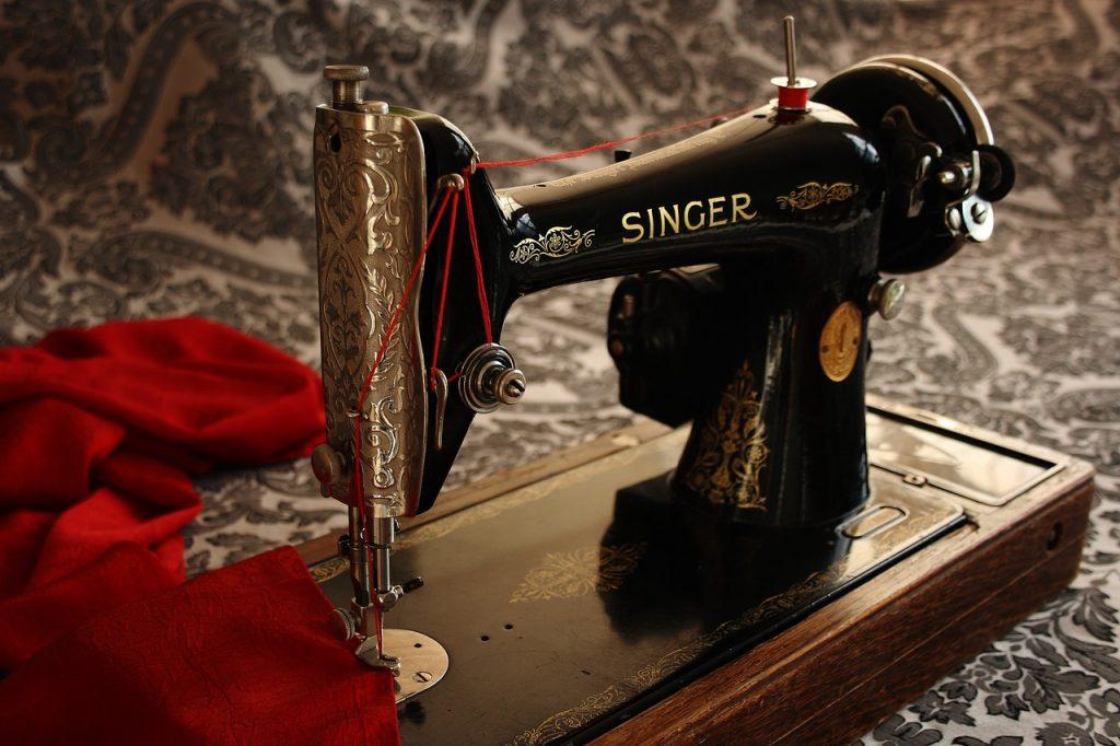sewing-machine-1806096_1280